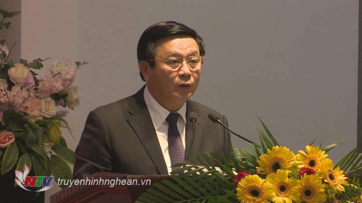 Đồng chí Nguyễn Xuân Thắng - Bí thư Trung ương Đảng, Chủ tịch Hội đồng lý luận Trung ương, Giám đốc Học viện Chính trị quốc gia Hồ Chí Minh phát biểu tại hội thảo.