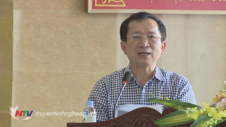 Phó Chủ tịch UBND tỉnh Đinh Viết Hồng phát biểu kết luận hội thảo.