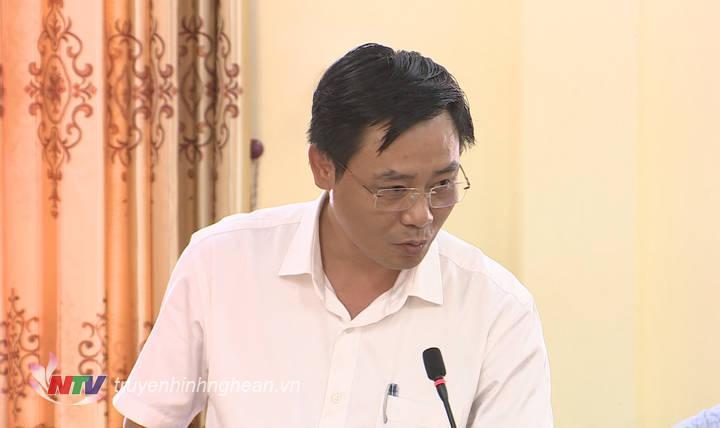Lãnh đạo huyện ủy Quỳ Hợp phát biểu tại buổi làm việc.
