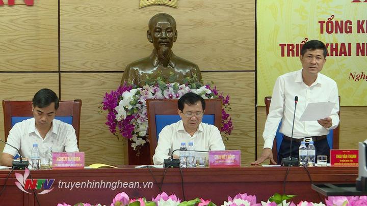 Lãnh đạo Sở GD-ĐT phát biểu tại hội nghị.