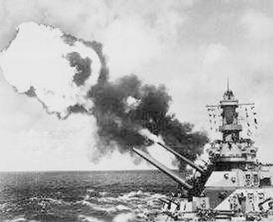 Tàu Maddox của Mỹ nổ súng tấn công vào nước ta ngày 5/8/1964.