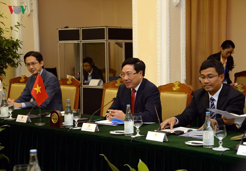 Phó Thủ tướng, Bộ trưởng Ngoại giao Phạm Bình Minh cảm ơn sự ủng hộ của Ủy ban Châu Âu và bà Federica Mogherini trong việc thúc đẩy EVFTA và EVIPA.