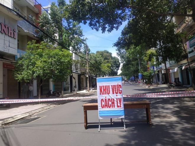 TP Buôn Ma Thuộc phong tỏa đường Hoàng Diệu.