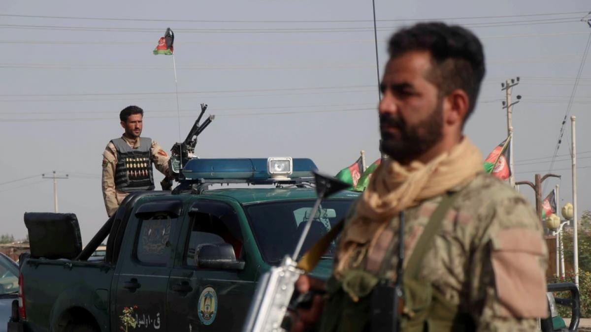 Hàng chục nghìn người dân đang chịu ảnh hưởng từ các cuộc tấn công của Taliban. Ảnh: AFP.
