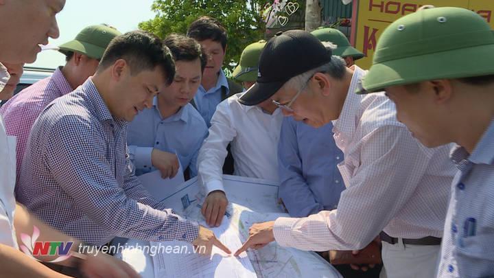 Đoàn giám sát của Quốc hội kiểm tra tiến độ  Dự án đường cao tốc Bắc- Nam. (Tư liệu)