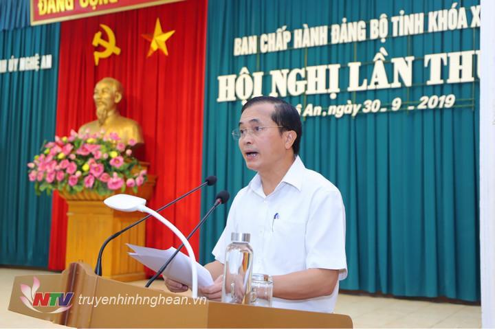 Đồng chí Lê Ngọc Hoa - Phó Chủ tịch UBND tỉnh báo cáo tình hình kinh tế - xã hội 9 tháng và nhiệm vụ, giải pháp 3 tháng cuối năm 2019.
