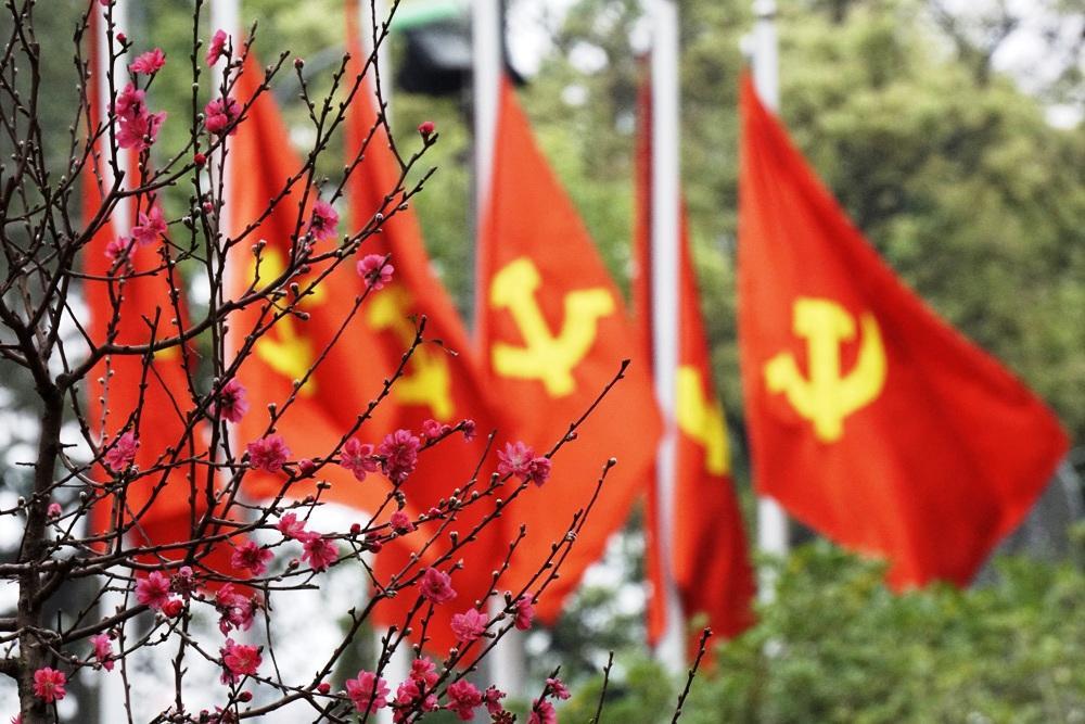 """""""Đảng vững mạnh, Đất nước phát triển, Dân tộc trường tồn"""""""
