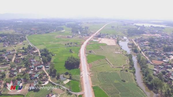 Đường nối từ xã Hòa Sơn, huyện Đô Lương đến cảng nước sâu Nghi Thiết.