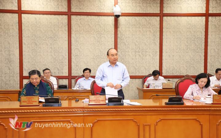 Thủ tướng Chính phủ Nguyễn Xuân Phúc phát biểu kết luận buổi làm việc.