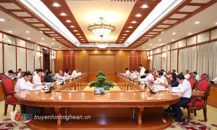 Bộ Chính trị làm việc với Ban Thường vụ Tỉnh ủy Nghệ An để cho ý kiến vào dự thảo văn kiện và phương án nhân sự cấp ủy trình Đại hội đại biểu Đảng bộ tỉnh lần thứ XIX, nhiệm kỳ 2020 - 2025.