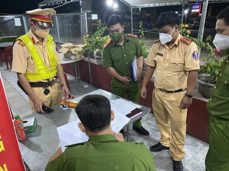 Bàn giao hồ sơ cho Công an Hàm Tân tiếp tục điều tra.