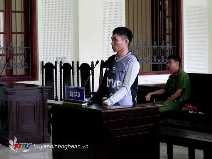 Bị cáo Lang Văn Thái tại tòa.
