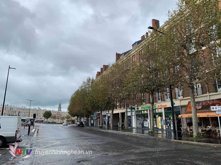 Le Havre là thành phố cảng nằm ở cửa sông Seine, miền tây bắc nước Pháp.