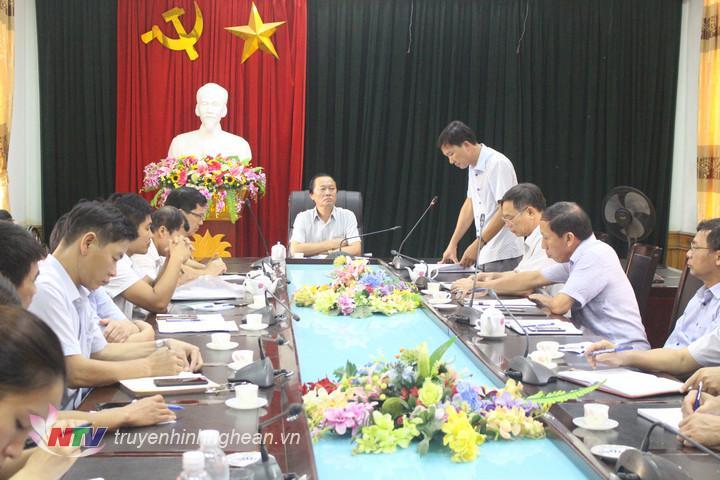 Huyện Quỳnh Lưu họp triển khai các biện pháp khẩn cấp phòng chống dịch sốt xuất huyết.