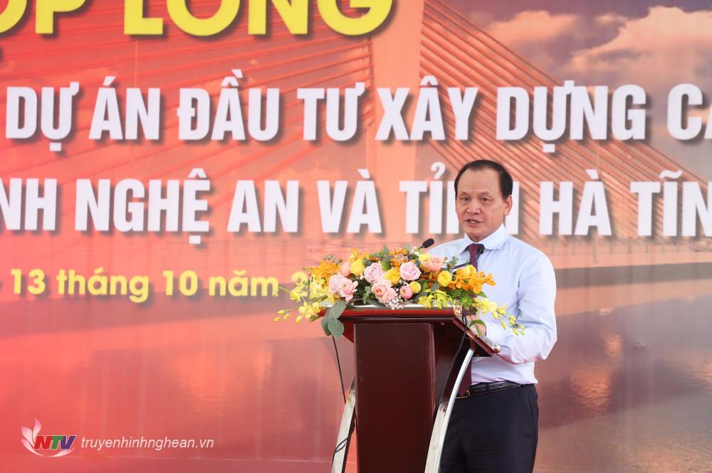 Đồng chí Nguyễn Nhật – Thứ trưởng Bộ Giao thông vận tải phát biểu tại buổi lễ.