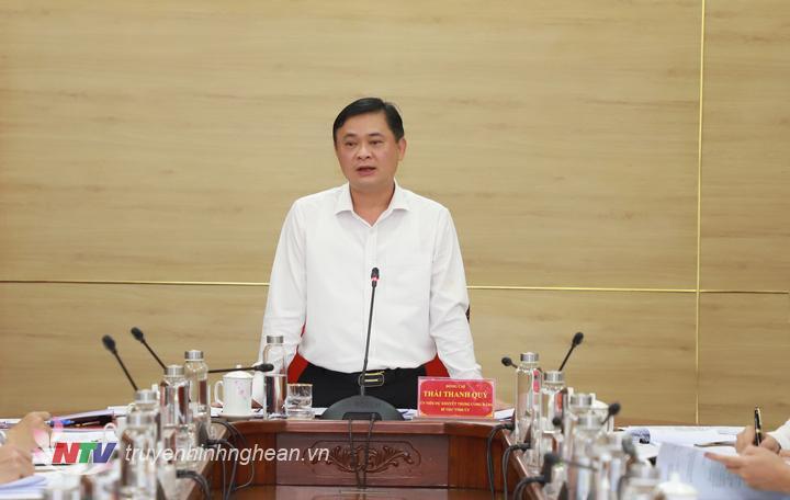 Bí thư Tỉnh ủy Thái Thanh Quý phát biểu chỉ đạo tại cuộc họp.