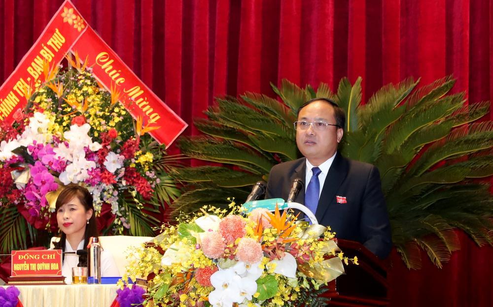 Đồng chí Nguyễn Viết Hưng, Bí thư Huyên ủy Yên Thành tham luận tại hội nghị.
