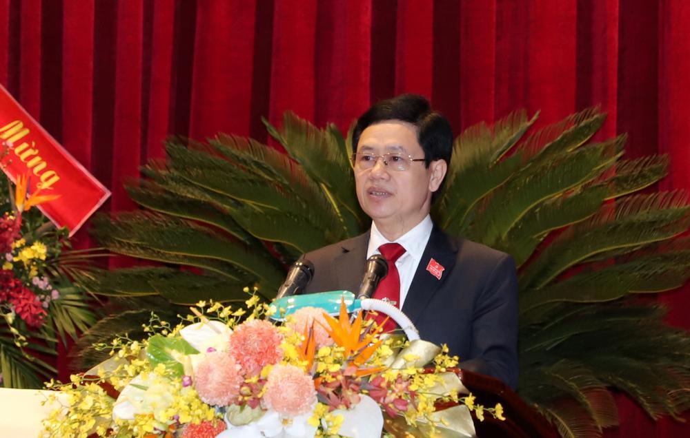 Đồng chí Nguyễn Xuân Sơn điều hành bầu Đoàn Đại biểu đi dự Đại hội lần thứ 13 của Đảng.