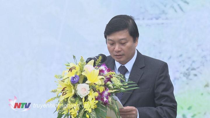 Phó Chủ tịch UBND tỉnh Lê Hồng Vinh đọc lời phát động.