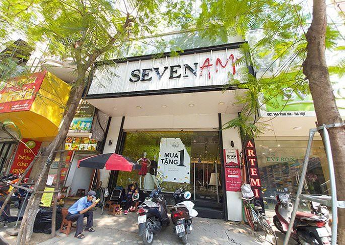 Cửa hàng Seven.AM trên phố Thái Hà.