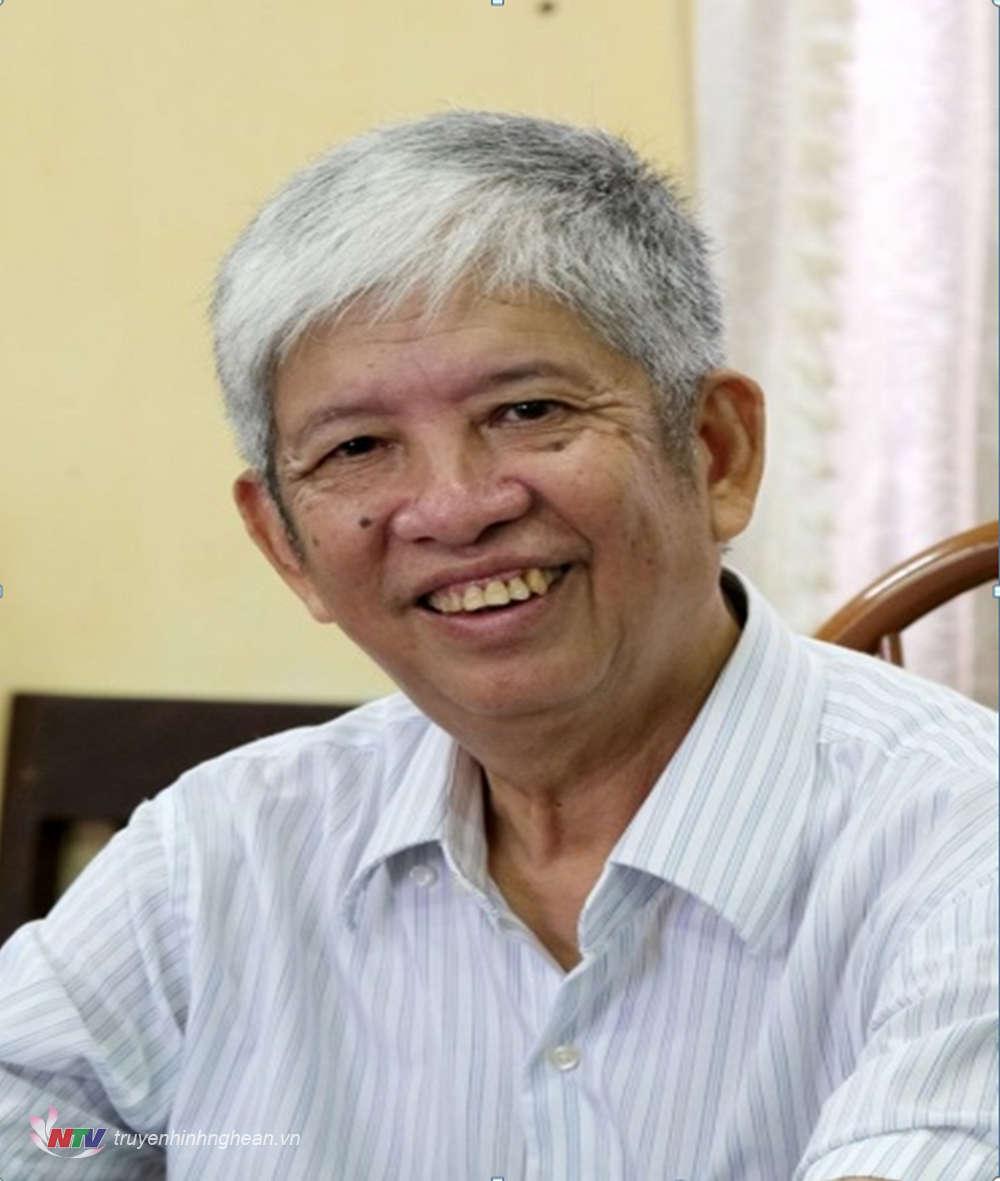 """Nhà thơ Lê Bá Hán: Thơ phải tạo ra những khoảng mở để độc giả luôn là """"người đồng sáng tạo"""""""