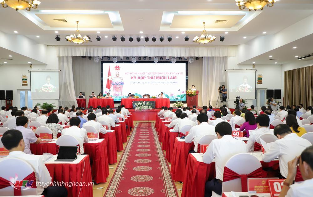 Quang cảnh phiên khai mạc kỳ họp thứ 15, HĐND tỉnh khóa XVII.