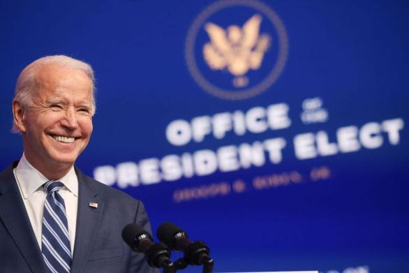 Ông Joe Biden phát biểu tại sự kiện ở thành phố Wilmington, bang Delaware, Mỹ ngày 10-11 - Ảnh: REUTERS