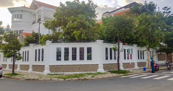 Công an phong tỏa nhà nguyên Bí thư Thành ủy Nha Trang sau vụ việc.