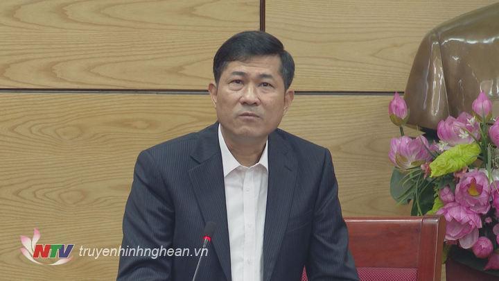 Giám đốc sở GD&ĐT Thái Văn Thành phát biểu tại hội nghị.