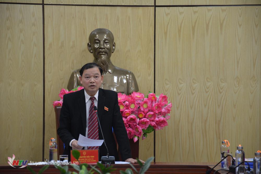 Đại biểu Nguyễn Hữu Vinh chủ trì phiên thảo luận.
