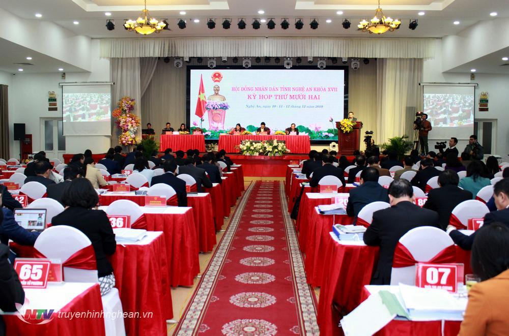 Toàn cảnh kỳ họp thứ 12, HĐND tỉnh khóa 2016-2020.