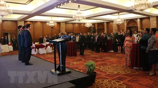 Tham dự buổi lễ có khoảng 200 khách mời là đại sứ, đại diện các phái bộ ngoại giao và đại diện cơ quan tùy viên quốc phòng các nước.