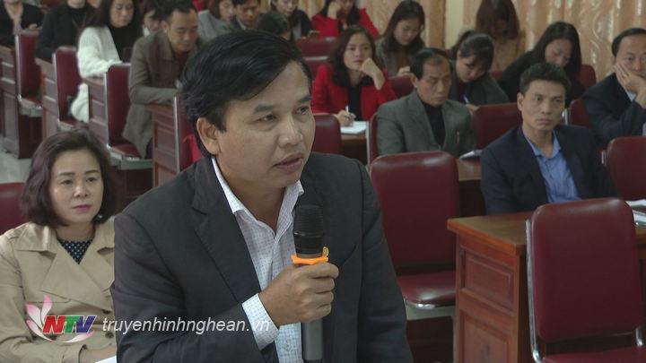 Đồng chí Nguyễn Như Khôi - TUV, Giám đốc Đài PTTH Nghệ An phát biểu tại hội nghị.
