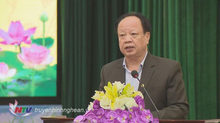 Ông Nguyễn Văn Độ - Giám đốc Sở KHĐT báo cáo tình hình KTXH năm2018.