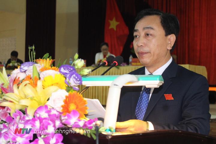 Đồng chí Phan Đình Đạt, Phó Bí thư, Chủ tịch HĐND huyện Quỳ Hợp khai mạc kỳ họp thứ 7 HĐND huyện Quỳ Hợp khóa 18.