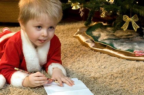 Trẻ em ở Bỉ có truyền thống viết thư nhân dịp năm mới rồi đọc to cho bố mẹ và ông bà. Sau đó, các em sẽ được người lớn lì xì một ít tiền.