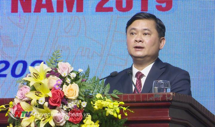 Chủ tịch UBND tỉnh Thái Thanh Quý phát biểu tại buổi gặp  mặt.