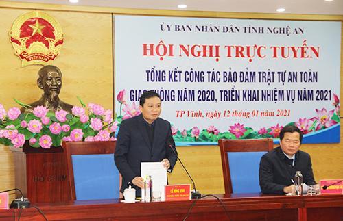 Phó Chủ tịch Thường trực UBND tỉnh Lê Hồng Vinh phát biểu chỉ đạo hội nghị.