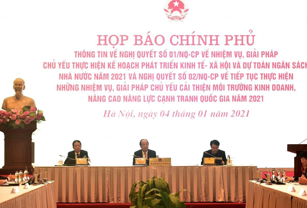 Bộ trưởng, Chủ nhiệm VPCP Mai Tiến Dũng chủ trì cuộc Họp báo sáng 4/1.