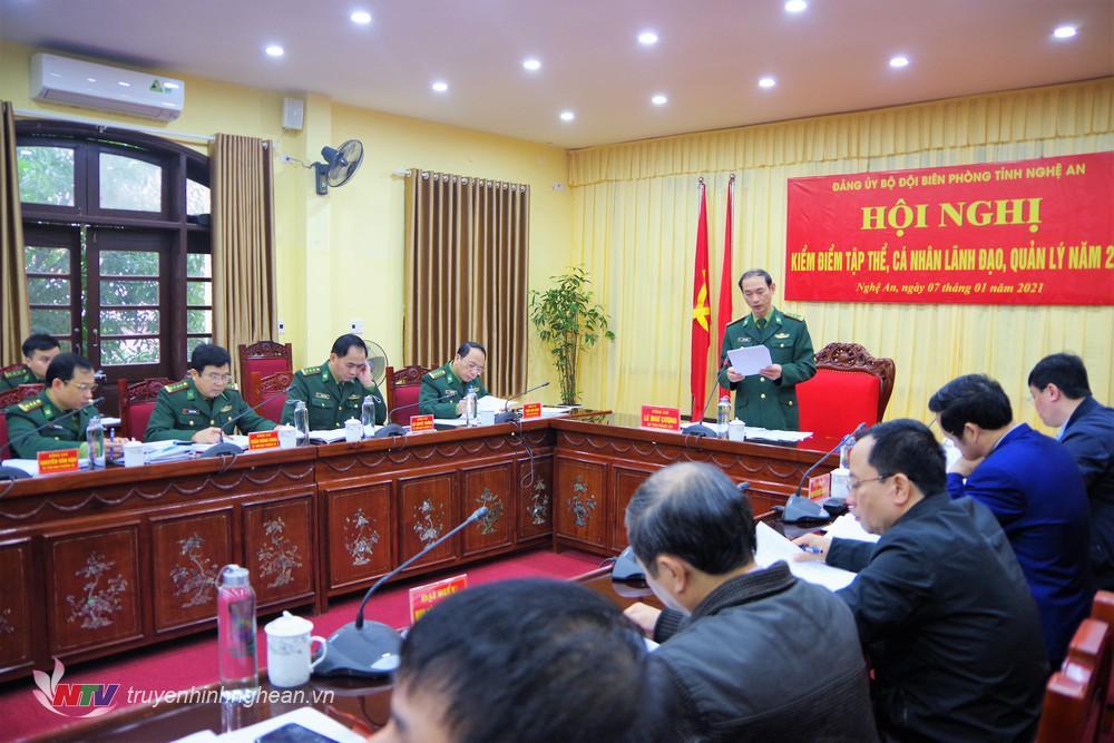 Đại tá Lê Như Cương, Bí Thư Đảng ủy, Chính ủy BĐBP tỉnh trình bày báo cáo kiểm điểm của tập thể Ban Thường vụ Đảng ủy BĐBP tỉnh