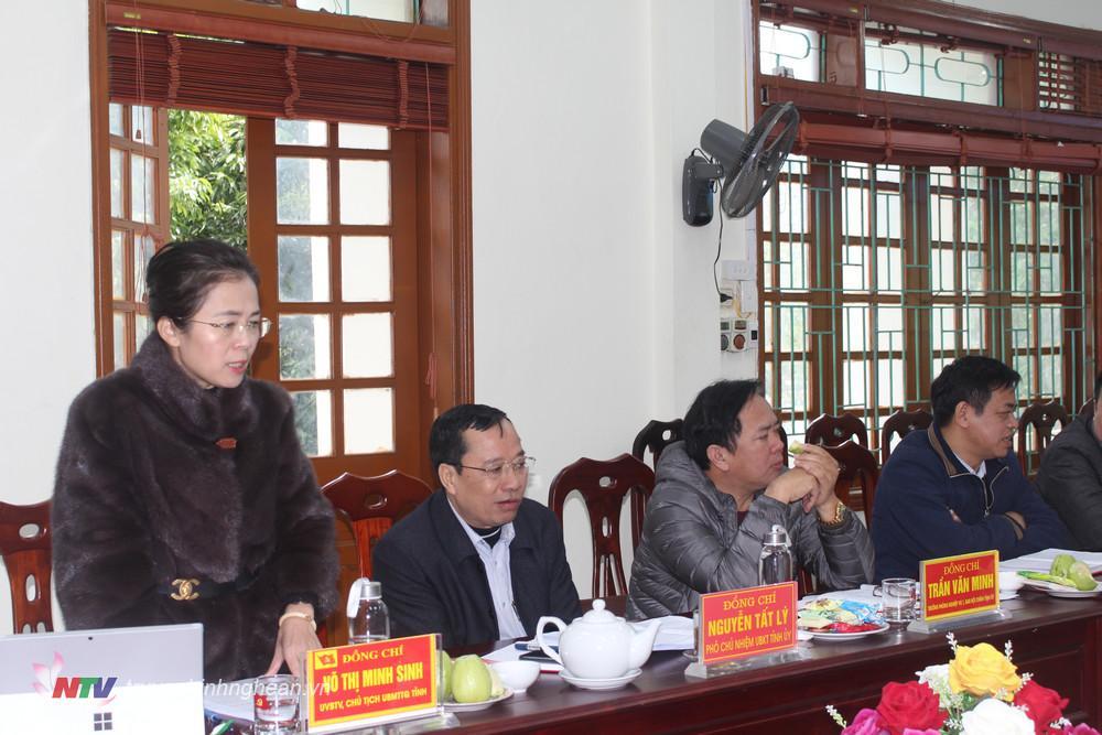 Chủ tịch UBMTTQ tỉnh Võ Thị Minh Sinh phát biểu chỉ đạo hội nghị.