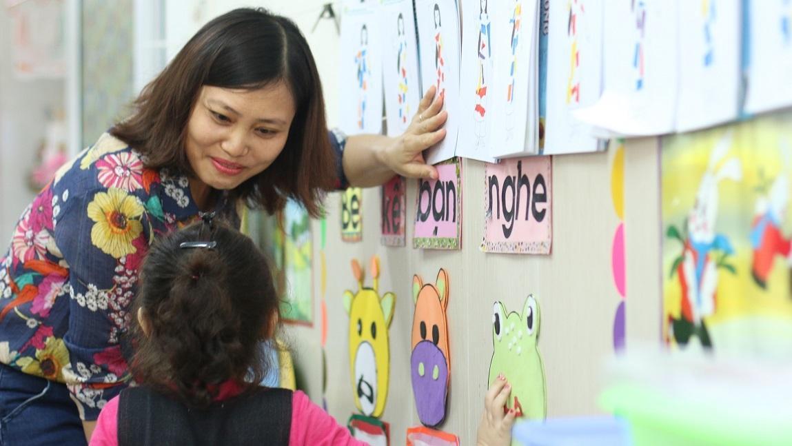 Tổng Liên đoàn Lao động Việt Nam đề xuất bổ sung giáo viên bậc mầm non và giáo viên dạy môn giáo dục thể chất vào danh mục nghề nặng nhọc. Ảnh minh họa