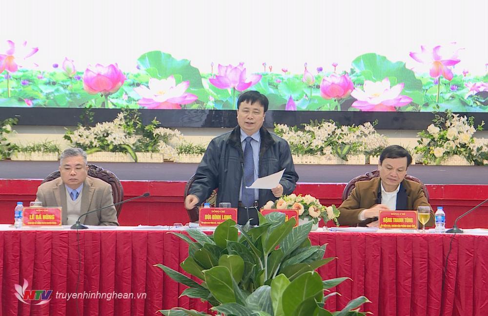 Phó Chủ tịch UBND tỉnh Bùi Đình Long phát biểu kết luận tại buổi họp báo.