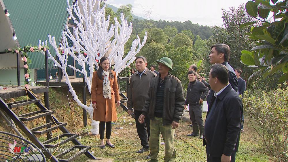 Mô hình trồng cây ăn quả kết hợp với dịch vụ du lịch sinh thái tại xã Nam Nghĩa.