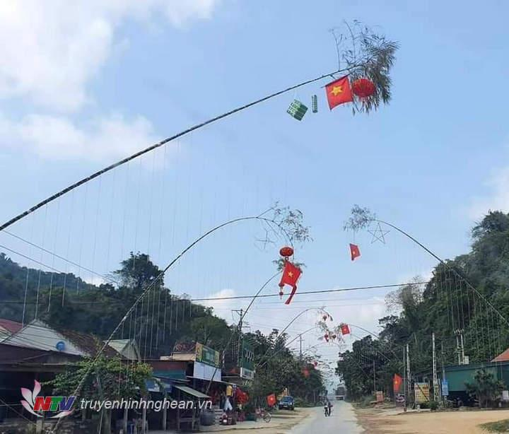 Dựng cây nêu trang trí dịp Tết nở rộ tại các địa phương trong những năm gần đây.