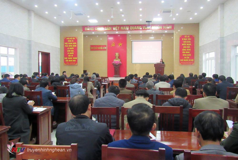 Toàn cảnh hội nghị học tập, quán triệt và triển khai Nghị quyết tại huyện Nghĩa Đàn.