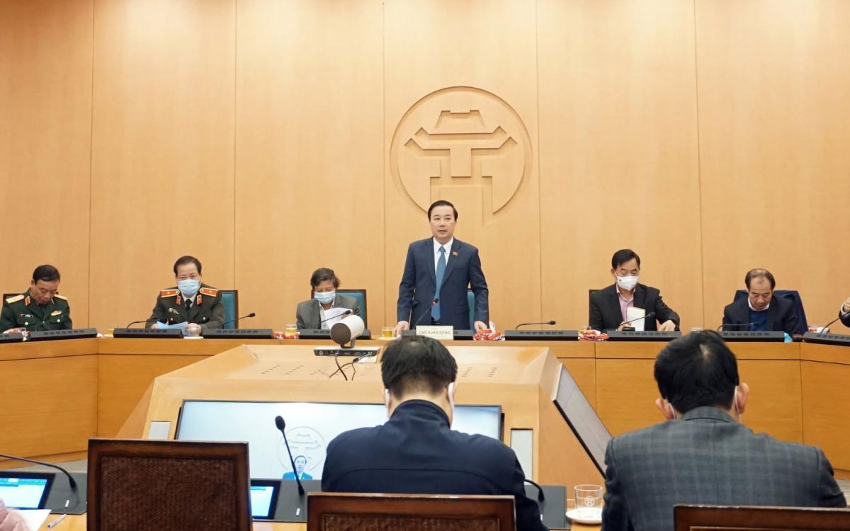Phó Chủ tịch UBND TP Hà Nội Chử Xuân Dũng yêu cầu, việc truy vết, thông tin, mọi phần việc phải nhanh hơn nữa; công khai minh bạch đến người dân