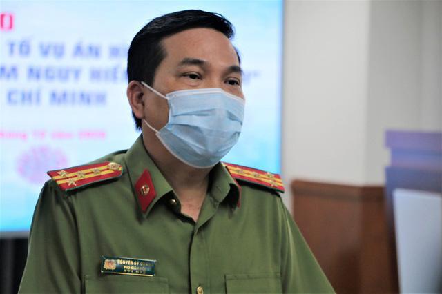 Đại tá Nguyễn Sỹ Quang, Phó Giám đốc Công an TP.HCM phát biểu tại buổi họp báo ngày 3/12