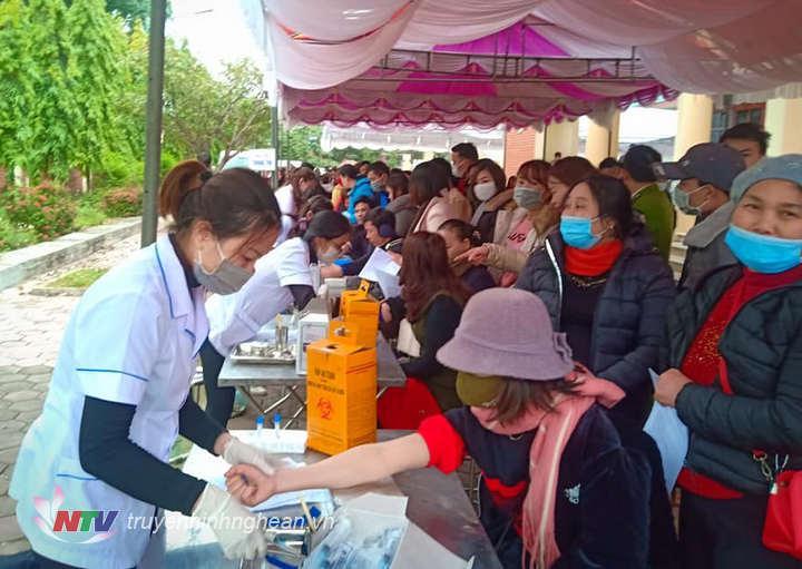 Gần 1.500 người tham gia hiến máu tình nguyện đợt 1 năm 2021 tại Quỳnh Lưu