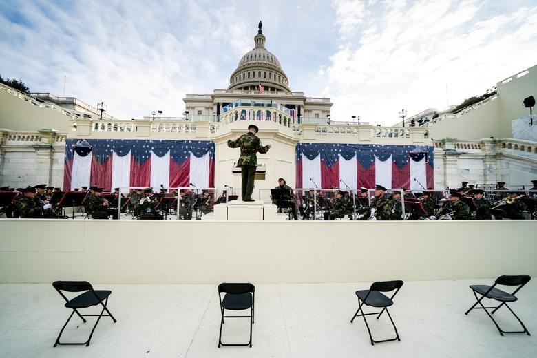 Dàn quân nhạc tổng duyệt lễ nhậm chức của Biden ở Đồi Capitol hôm 18/1. Ảnh: Reuters.